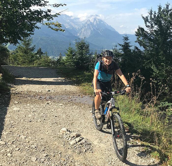 Mountainbiking ist vor allem: Die Landschaft genießen und aktiv die schönen Ecken der Welt erkunden.