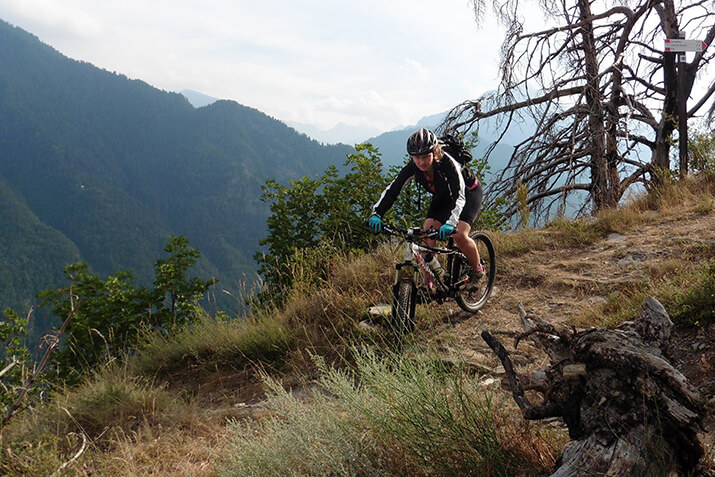 Ein Trail im Mairatal, in der italienischen Provinz Cuneo