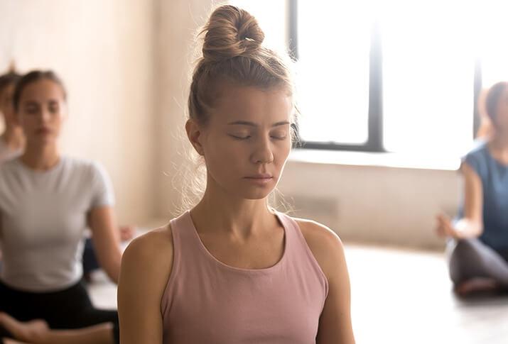 1. Die Atmung beim Yoga: den Körper spüren