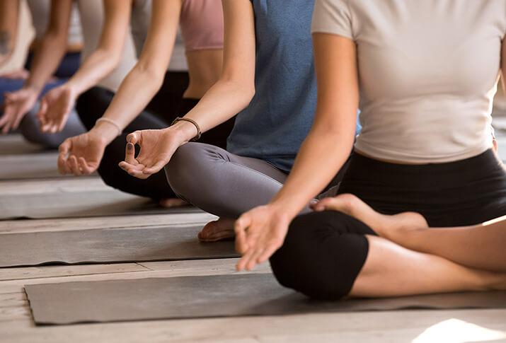 4. Singen im Yoga macht glücklich und gesund
