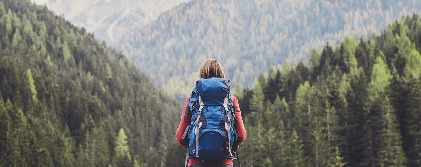 Alleine wandern für die Seele – glückliche Momente in der Natur