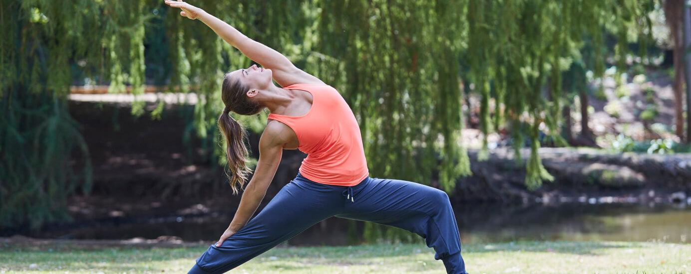 Für Achtsamkeit im Alltag – 30 Minuten Yoga Flow mit Sinah Diepold